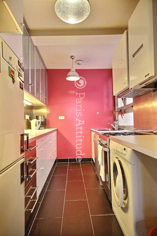 The 13 Square Meters Separated Kitchen Has A Window Facing Courtyard . It  Is Equipped With : Fridge, Freezer, Dishwasher, Gas Burner, Extractor Hood,  Oven, ...
