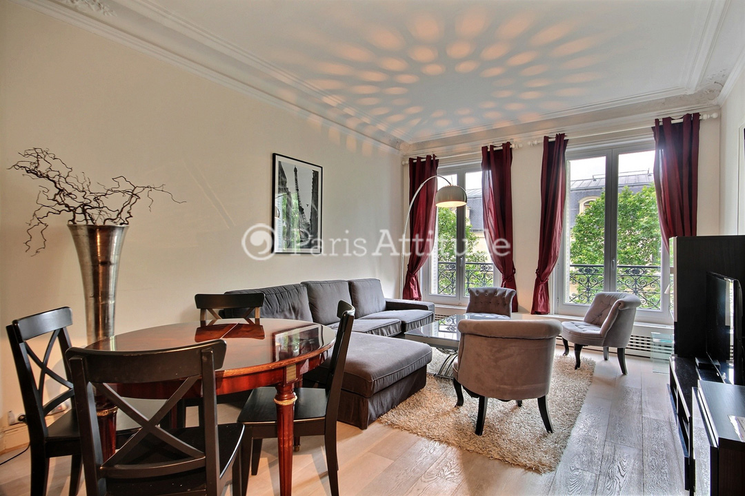 The 23 Square Meters Living Room Has 2 Double Glazed Windows Facing Street  . It Is Equipped With : Coffee Table That Can Become A Dining Table For 6  People, ...