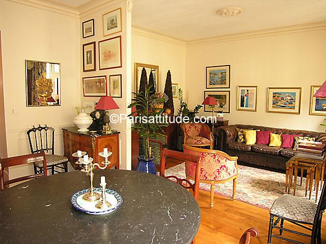 Louer un appartement paris 75019 58m buttes chaumont for Appartement atypique 75019