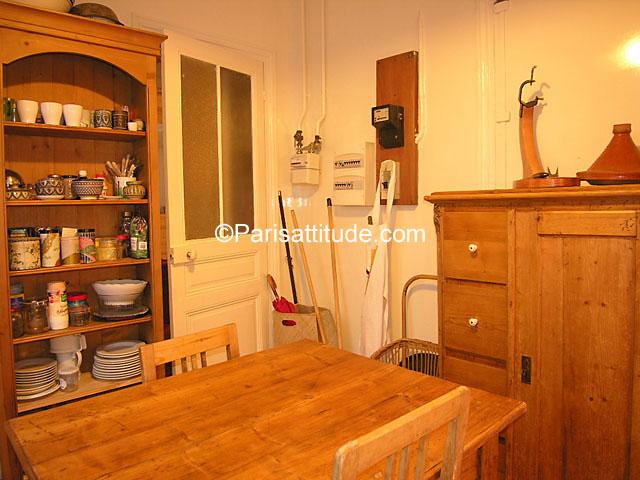 Rent apartment in paris 75010 160m poissonniere ref 1077 for Chambre de bonne paris rent