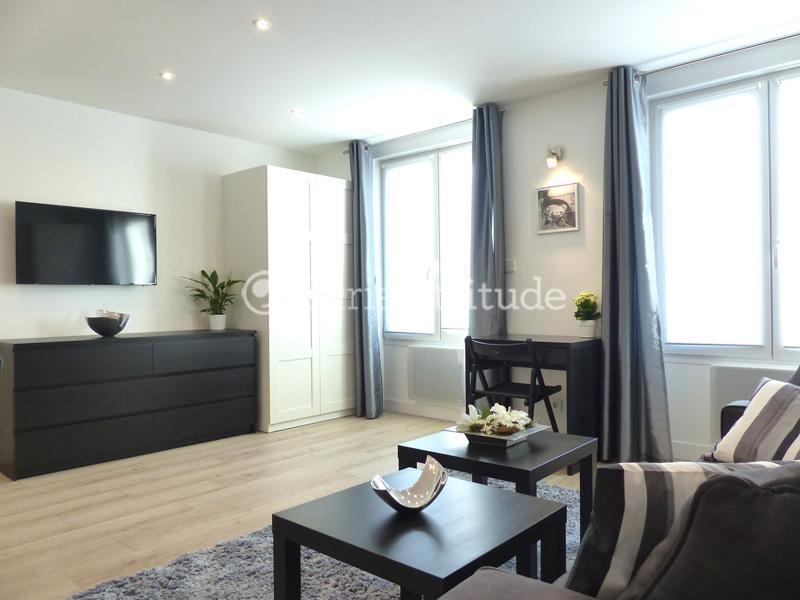 Rent apartment in paris 75002 40m bonne nouvelle ref for Chambre de bonne paris rent