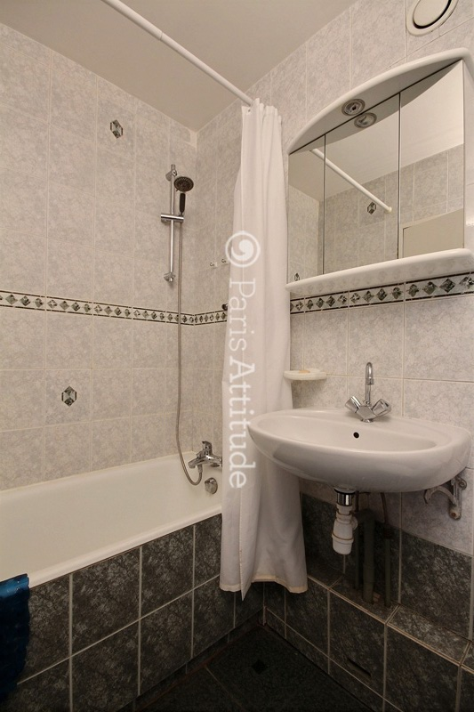 Louer un appartement paris 75013 30m place d italie for Location appartement atypique paris