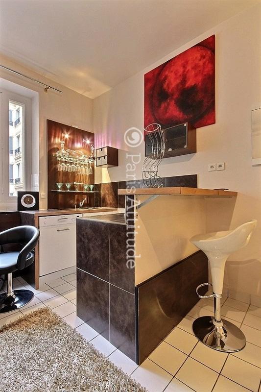 louer un appartement paris 75008 38m parc monceau ref 11235. Black Bedroom Furniture Sets. Home Design Ideas