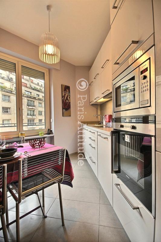 louer un appartement paris 75016 65m trocadero ref 11597. Black Bedroom Furniture Sets. Home Design Ideas
