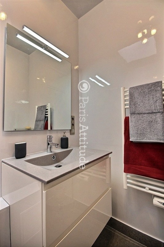 Louer un appartement paris 75014 29m alesia ref 11769 for Location appartement atypique paris