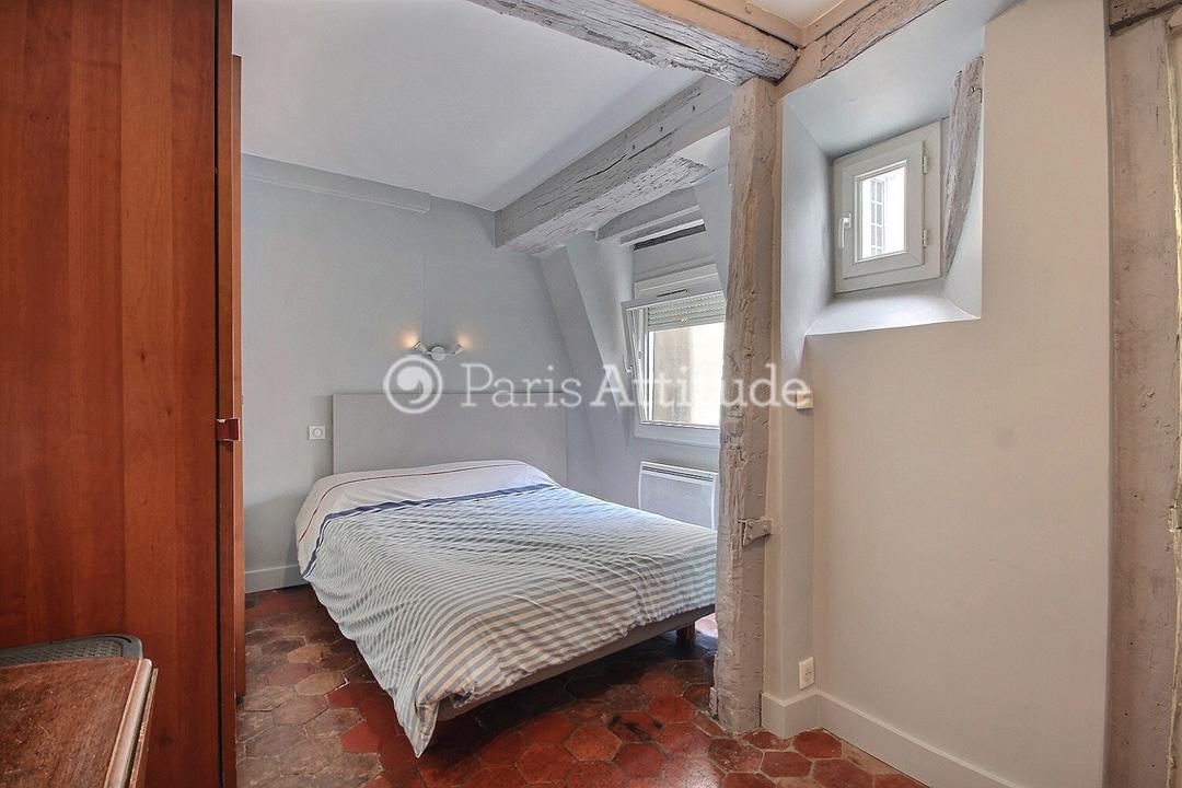 Louer un appartement paris 75002 55m montorgueil for Chambre a louer paris 17