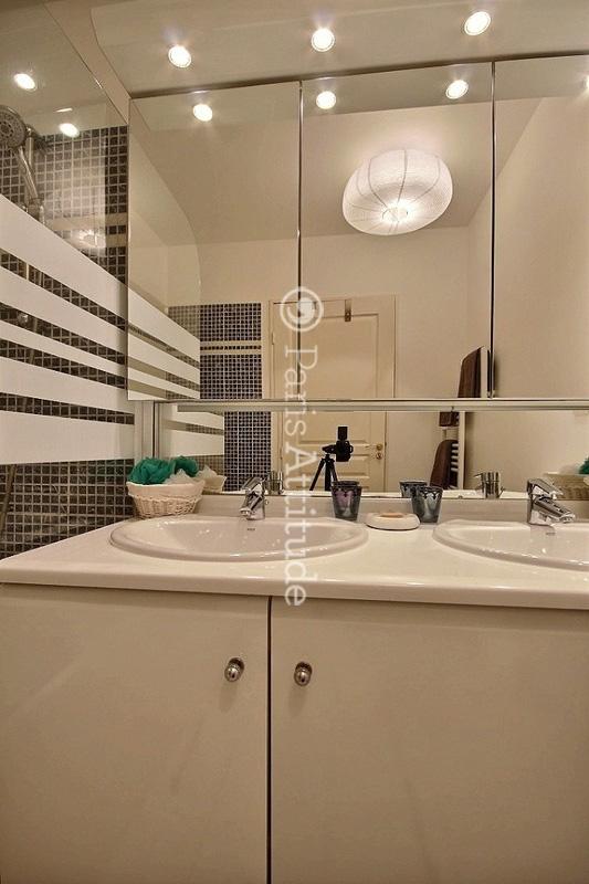 louer un appartement issy les moulineaux 92130 69m. Black Bedroom Furniture Sets. Home Design Ideas