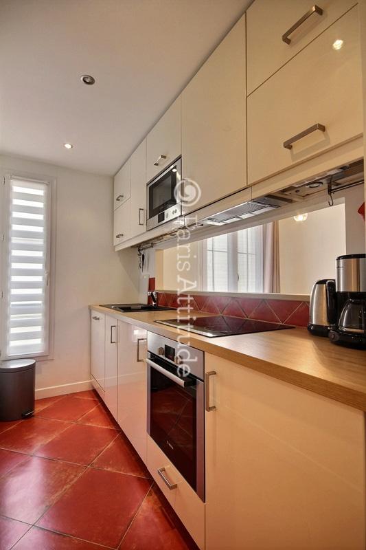 louer un appartement paris 75004 39m hotel de ville ref 12277. Black Bedroom Furniture Sets. Home Design Ideas