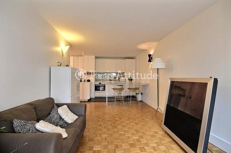 Louer un appartement paris 75019 51m crimee ref 12375 for Appartement atypique 75019