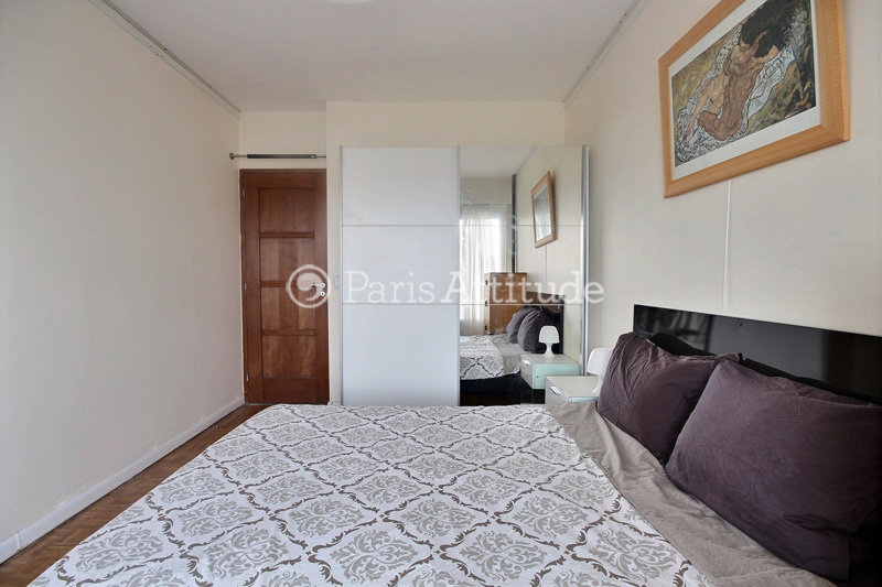 Louer un appartement paris 75015 50m vaugirard ref for Meubles 75015
