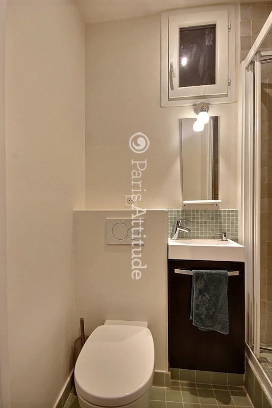 louer un appartement paris 75010 60m grands boulevards ref 12601. Black Bedroom Furniture Sets. Home Design Ideas