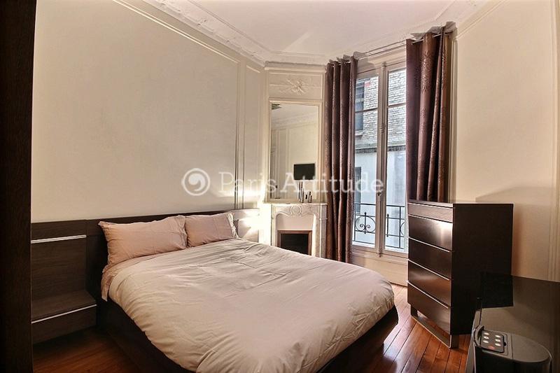 Louer un appartement paris 75016 55m trocadero ref for Chambre a louer paris 17