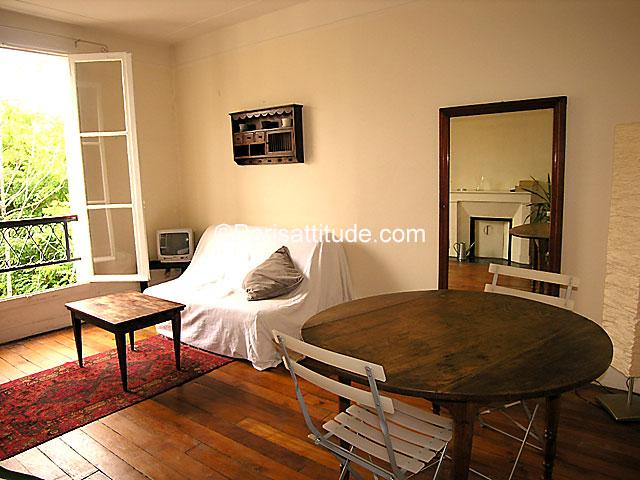 Rent apartment in paris 75020 47m pere lachaise ref 1629 for Living room 75020