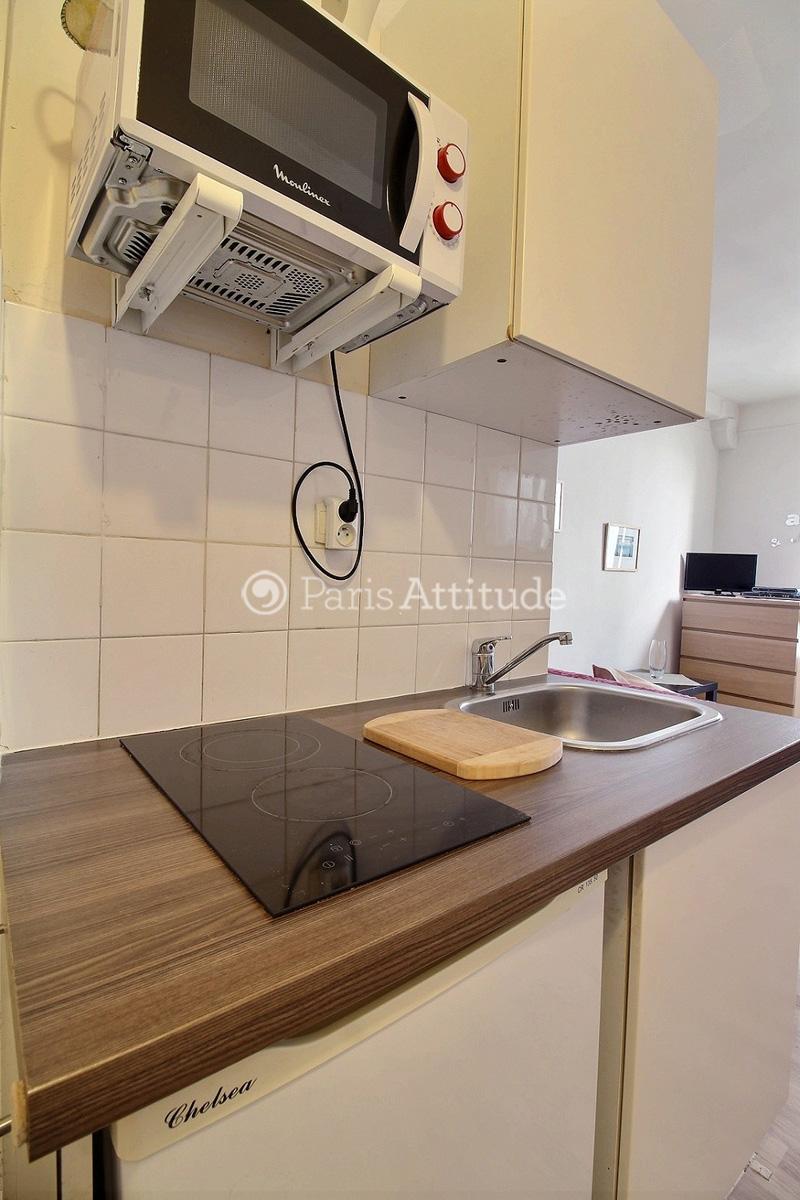 louer un appartement paris 75008 20m champs elysees ref 2988. Black Bedroom Furniture Sets. Home Design Ideas