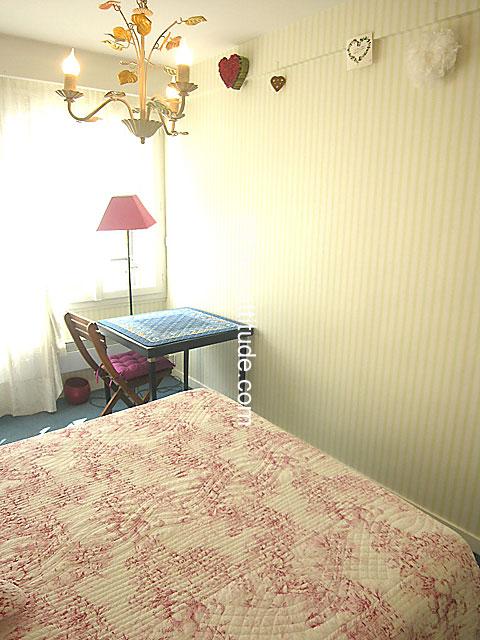 Louer un appartement paris 75014 76m montparnasse for Chambre a louer paris 17