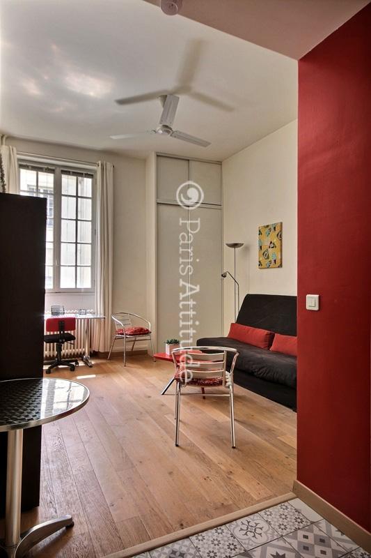 louer un appartement paris 75004 22m le marais ref 3865. Black Bedroom Furniture Sets. Home Design Ideas