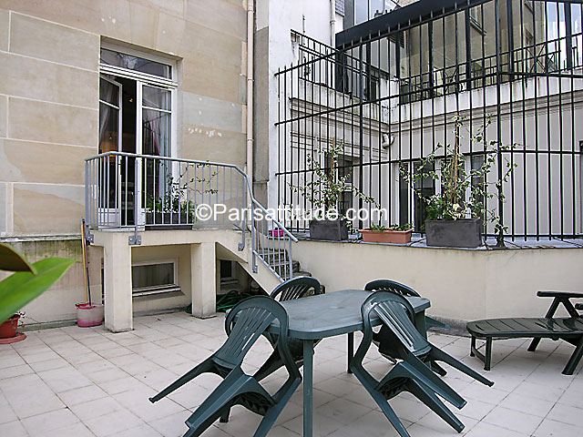 rent apartment in paris 75008 28m champs elysees ref 4380. Black Bedroom Furniture Sets. Home Design Ideas