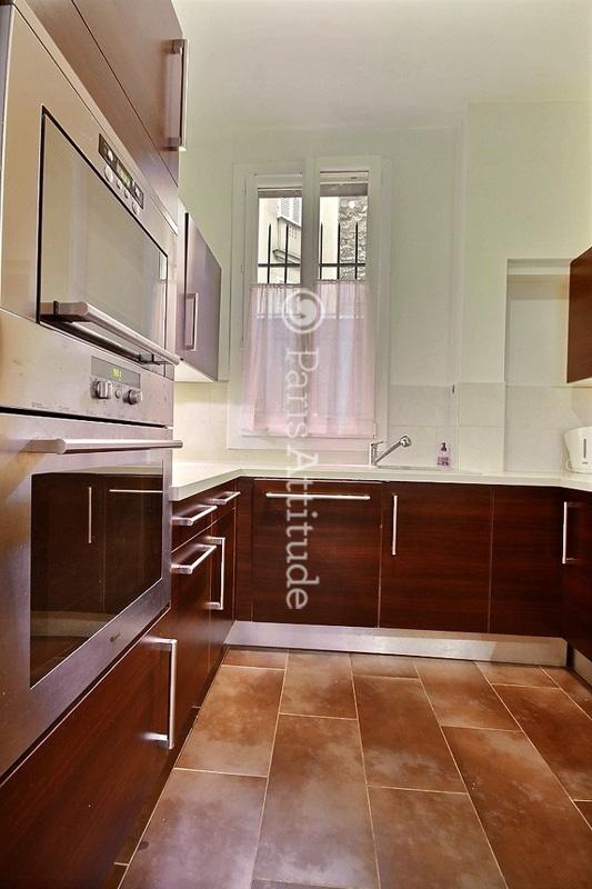 louer un appartement paris 75016 64m trocadero ref 4498. Black Bedroom Furniture Sets. Home Design Ideas