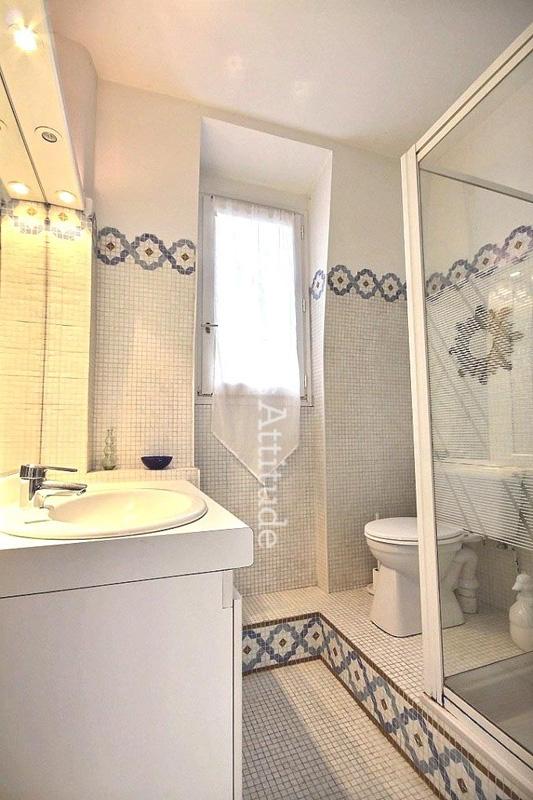 Louer un appartement paris 75020 32m gambetta ref 4783 for Appartement atypique a louer paris