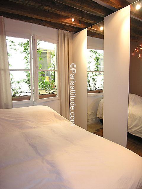 louer un appartement paris 75001 43m chatelet les halles ref 4895. Black Bedroom Furniture Sets. Home Design Ideas