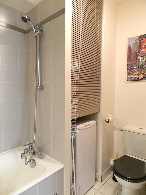Louer un appartement paris 75019 35m buttes chaumont for Appartement atypique 75019