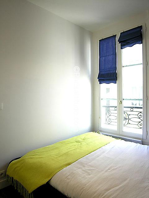louer un appartement paris 75007 25m eiffel tower champs de mars ref 6280. Black Bedroom Furniture Sets. Home Design Ideas