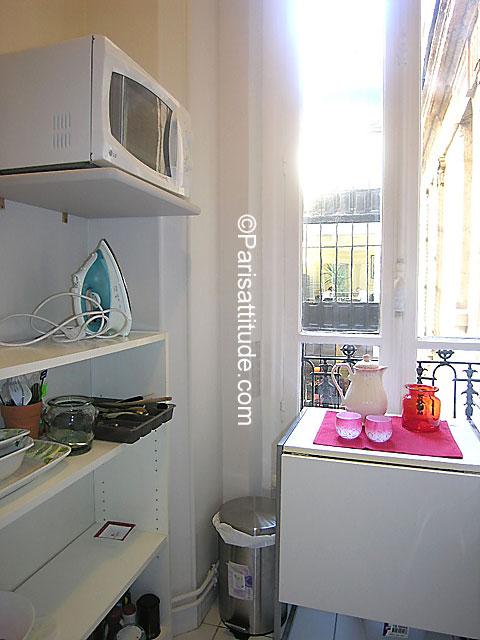 louer un appartement paris 75008 40m parc monceau ref 7037. Black Bedroom Furniture Sets. Home Design Ideas