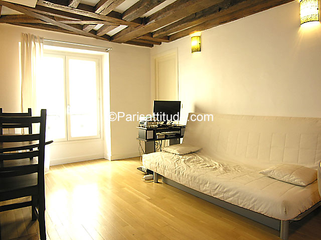Rent apartment in paris 75010 50m bonne nouvelle ref 7265 for Chambre de bonne paris rent
