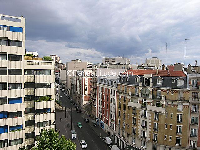 Louer un appartement paris 75019 34m buttes chaumont for Appartement atypique 75019