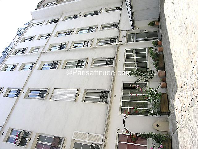 Louer un appartement paris 75010 55m gare du nord for Agence avis gare du nord