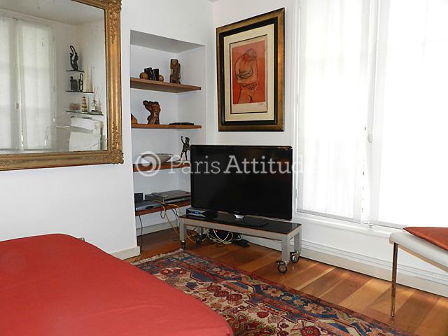 louer un appartement paris 75002 50m bonne nouvelle ref 8106. Black Bedroom Furniture Sets. Home Design Ideas