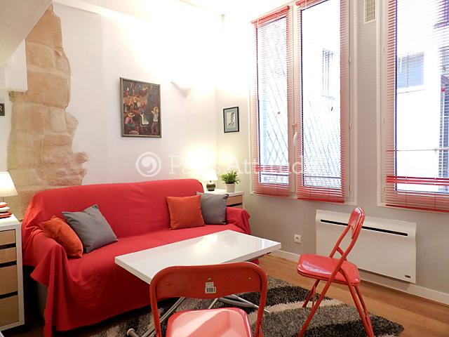 louer un appartement paris 75004 15m le marais ref 8258. Black Bedroom Furniture Sets. Home Design Ideas