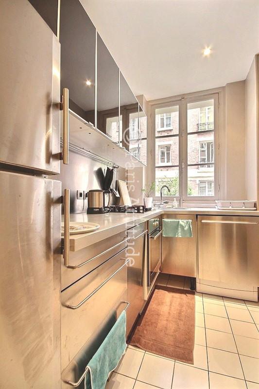 louer un appartement paris 75006 47m luxembourg garden ref 8589. Black Bedroom Furniture Sets. Home Design Ideas