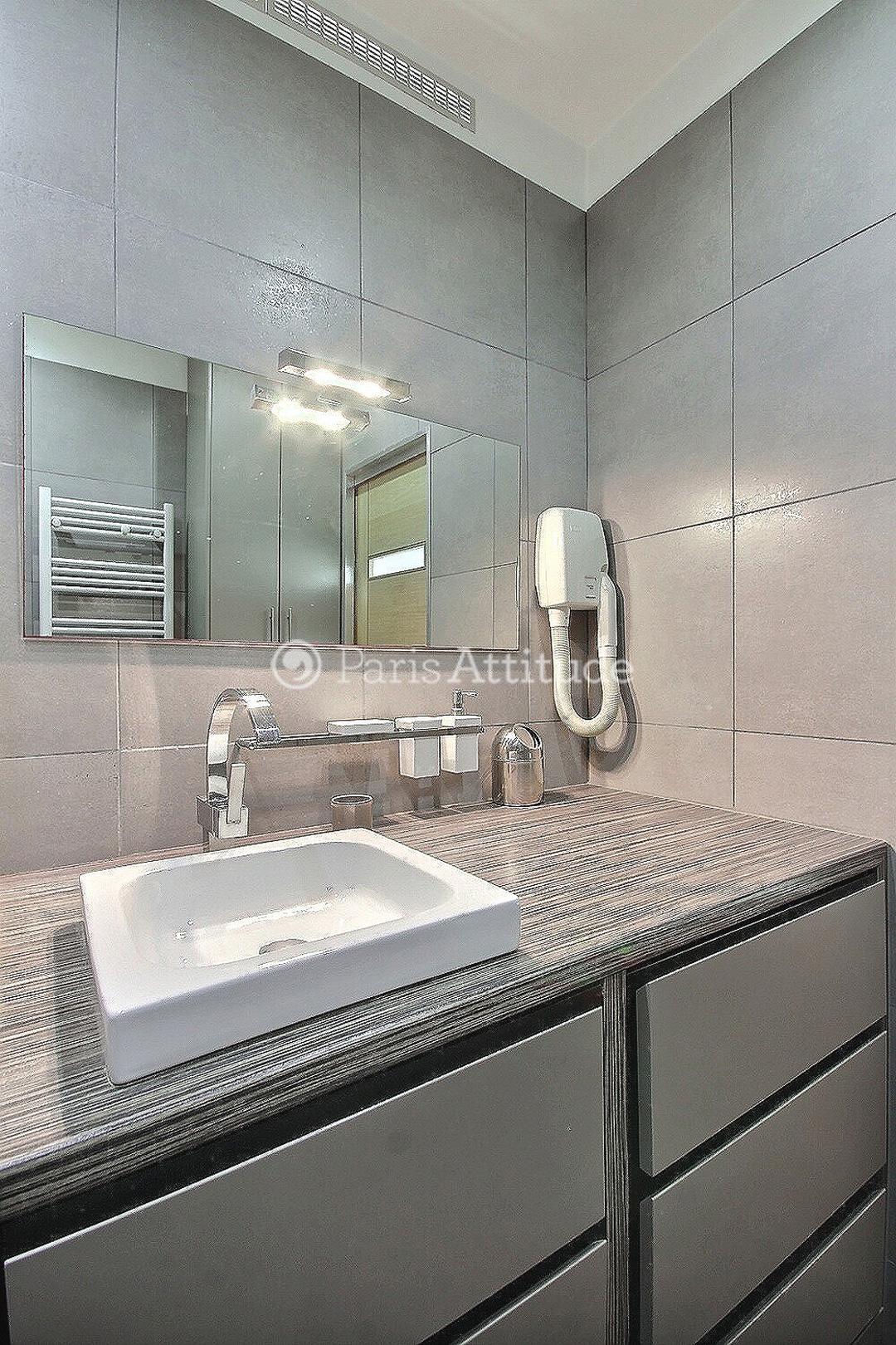 Louer Un Appartement Paris 75017 27m Charles De