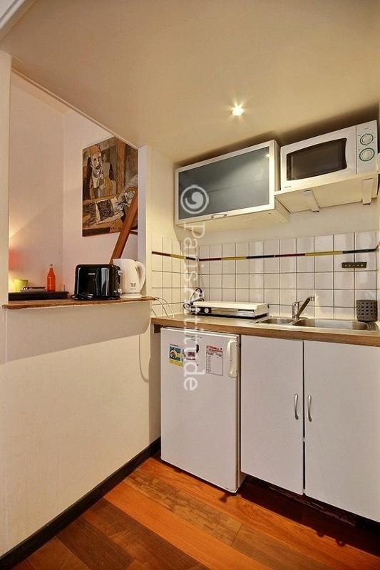 louer un appartement paris 75011 20m voltaire ref 8913. Black Bedroom Furniture Sets. Home Design Ideas
