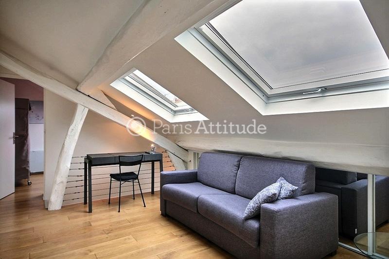 Rent duplex in paris 75010 46m bonne nouvelle ref 8922 for Chambre de bonne paris rent