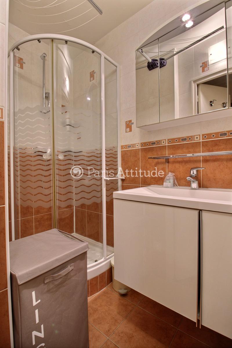 Louer un appartement paris 75011 33m charonne ref 9496 for Appartement atypique a louer paris