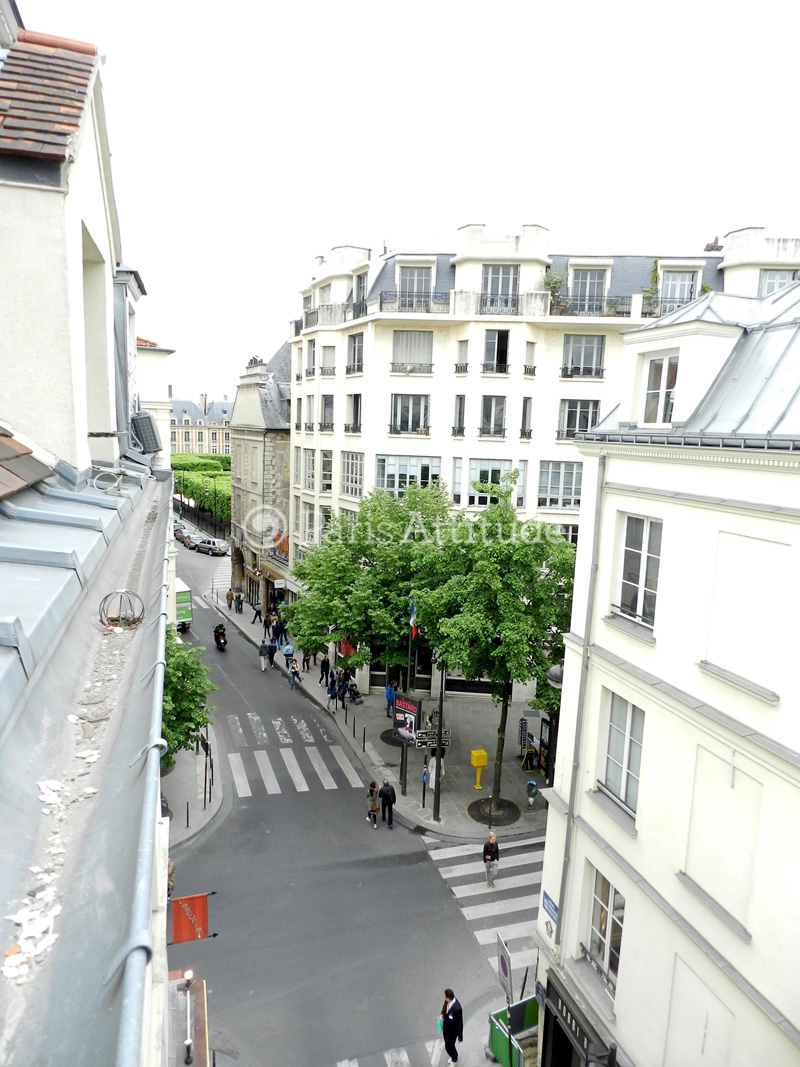 Louer un appartement paris 75003 30m place des vosges for Location appartement atypique paris