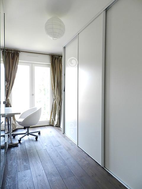 louer un appartement paris 75010 68m canal saint martin ref 9727. Black Bedroom Furniture Sets. Home Design Ideas