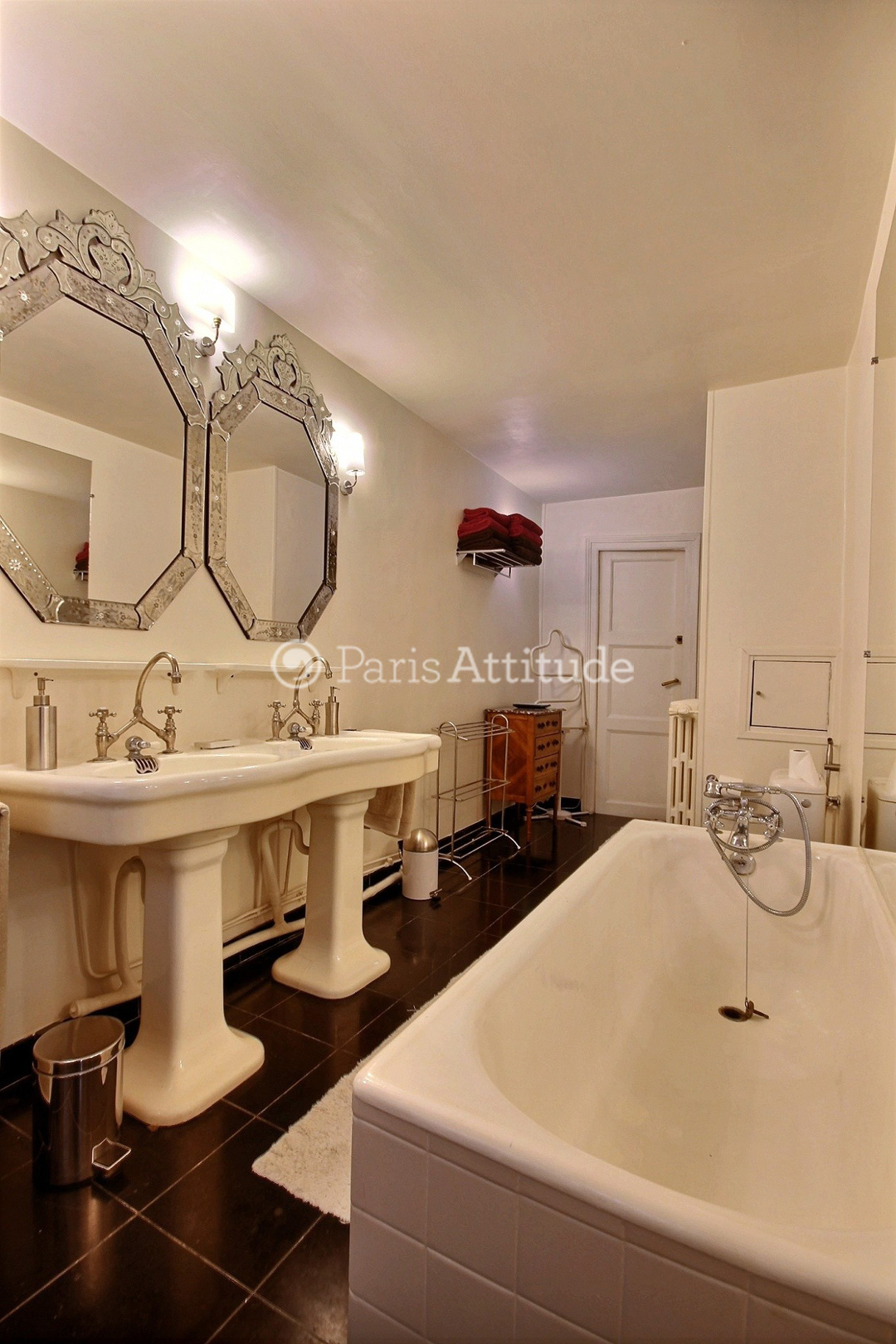 Louer un appartement paris 75001 101m tuileries ref for Location appartement atypique paris