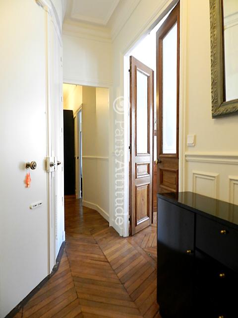 louer un appartement paris 75002 105m montorgueil ref 9819. Black Bedroom Furniture Sets. Home Design Ideas