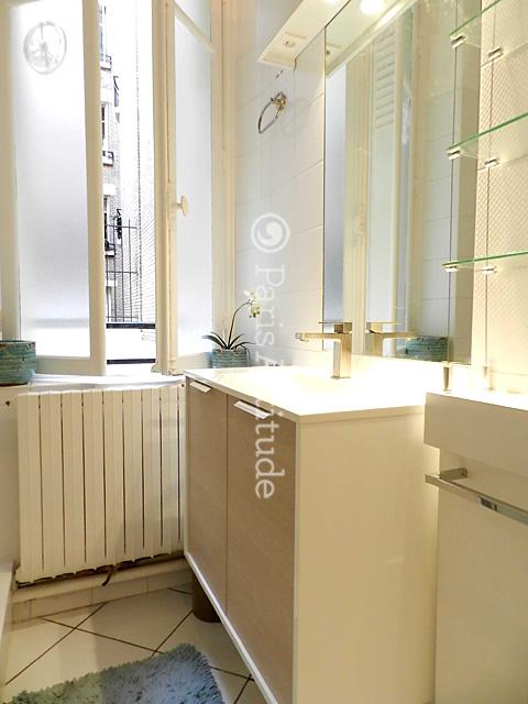 Louer un appartement paris 75016 54m jasmin ref 9964 for Appartement atypique a louer paris
