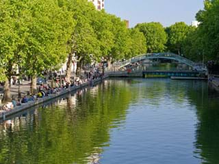Apartment rental Canal Saint-Martin, Paris, France