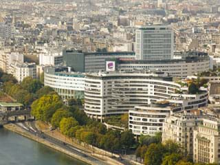 Apartment rental Radio France - Maison de la radio, Avenue du Président Kennedy, Paris, France