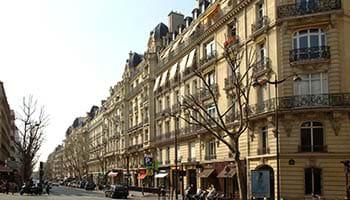 Between Trocadero / Champs Elysées