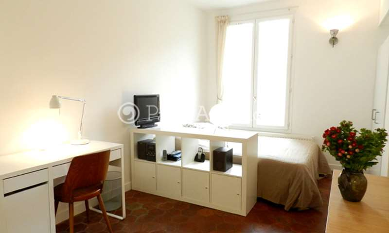 Rent Apartment Studio 20m² rue Oberkampf, 11 Paris