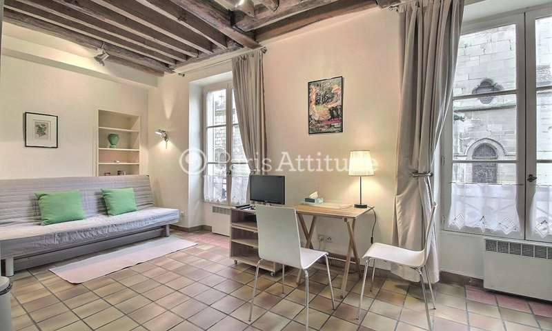 Rent Apartment Studio 28m² rue des Pretres Saint Severin, 5 Paris