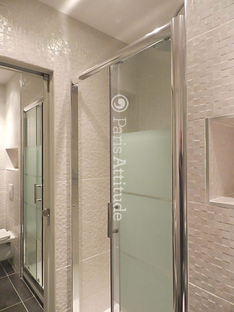 Louer un appartement paris 75006 26m luxembourg for Location appartement meuble luxembourg