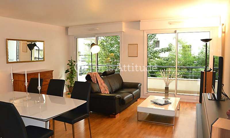 Rent Apartment 3 Bedroom 92m² rue de la Folie Mericourt, 75011 Paris