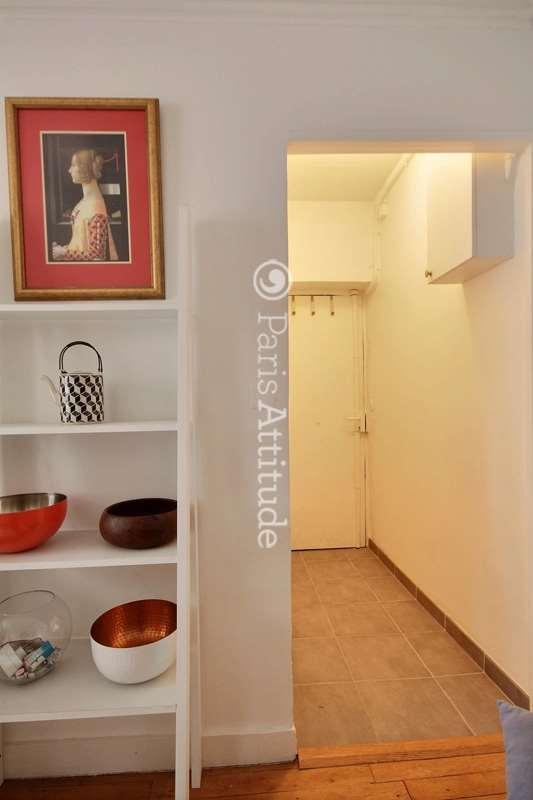 Louer un appartement paris 75018 30m montmartre north for Louer chambre sans fenetre
